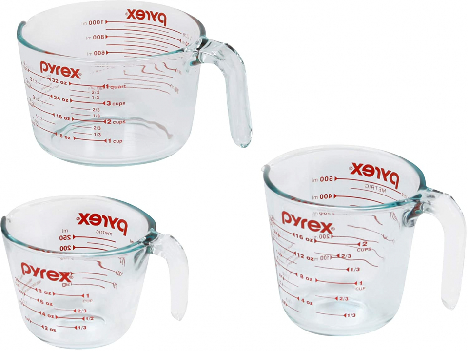 Free Pyrex 3-Piece Glass Measuring Cup Set